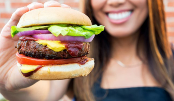 whole-foods-launches-a-100-vegan-burger-bar-with-beyond-meat-ecorazzi